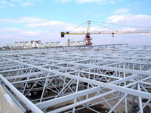 矿大体育馆钢结构网架工程